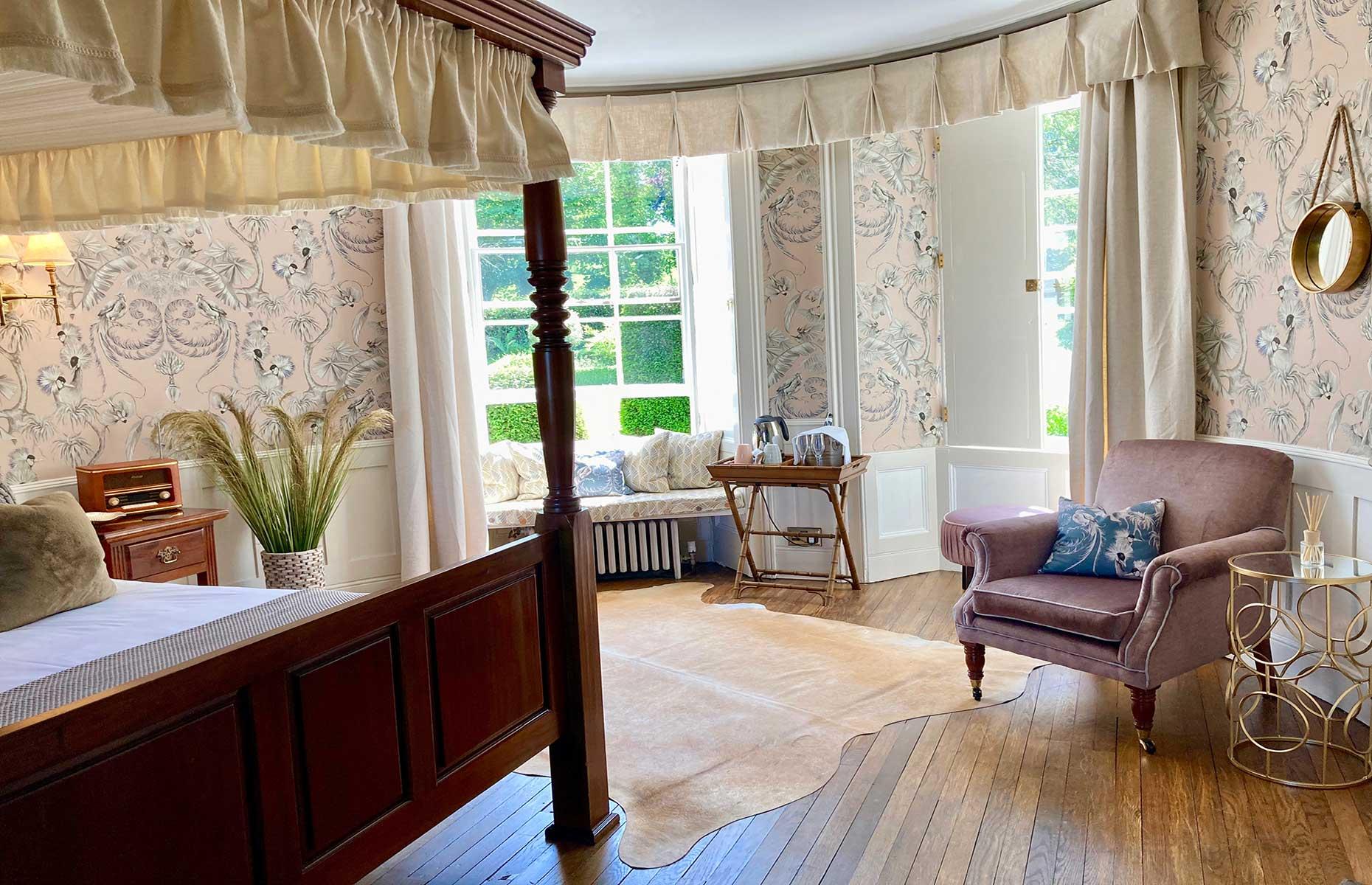 Burleigh Court bedroom (Image: Burleigh Court Photography)