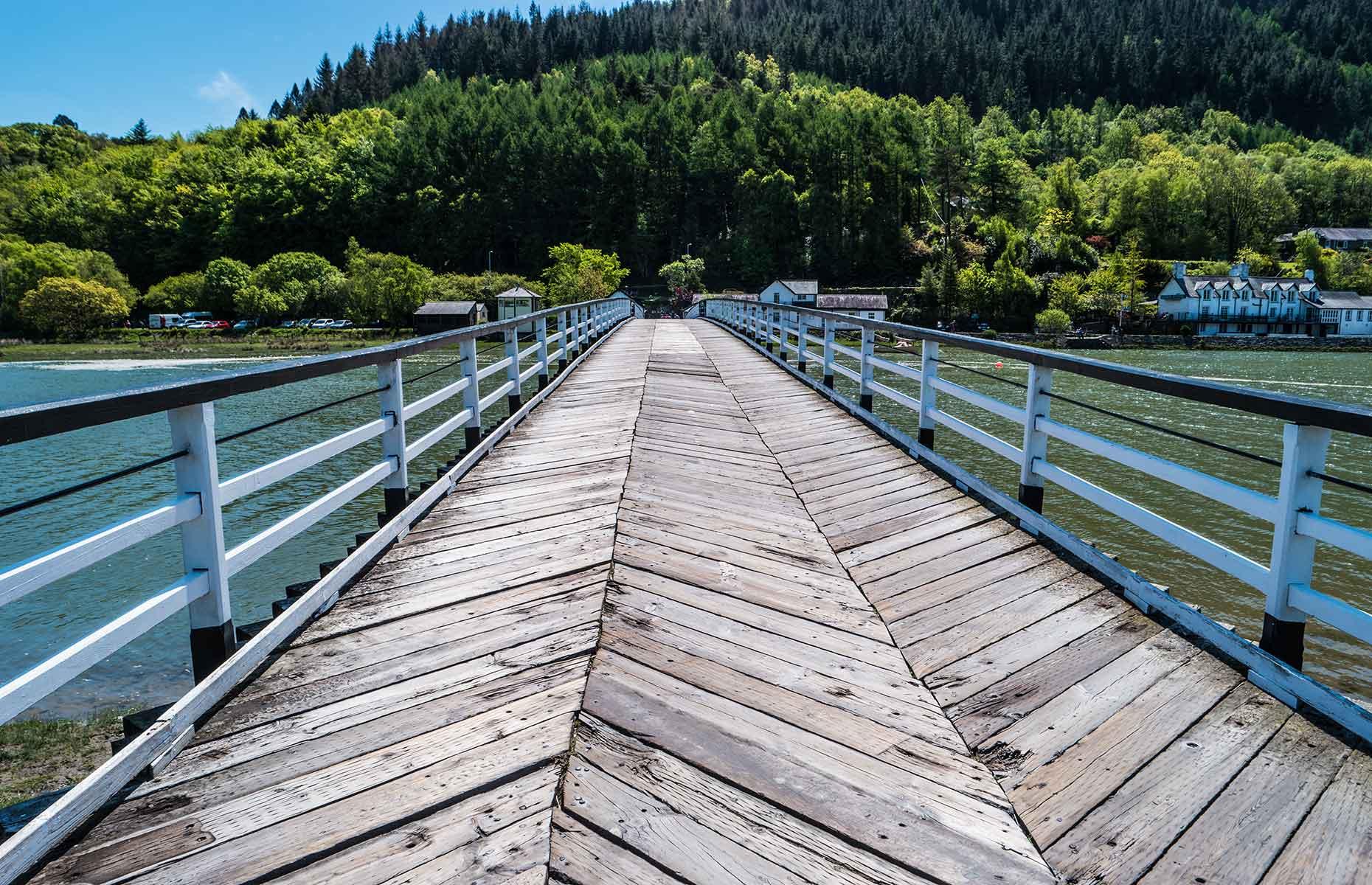 Penmaenpool Toll Bridge (Image: Henrykc/Shutterstock)