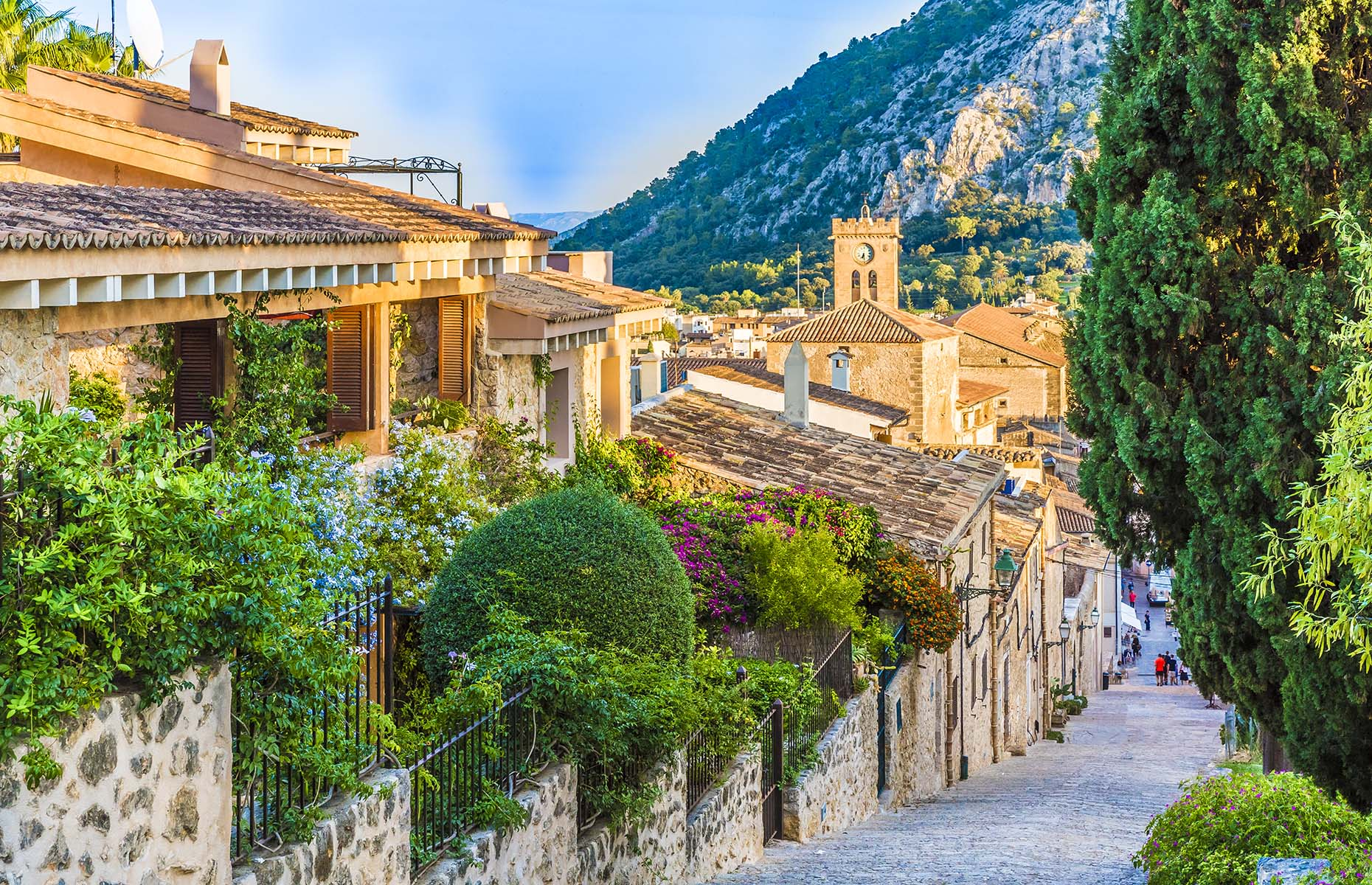 Calvari Steps in Pollenca, Mallorca (Image: Balate Dorin/Shutterstock)
