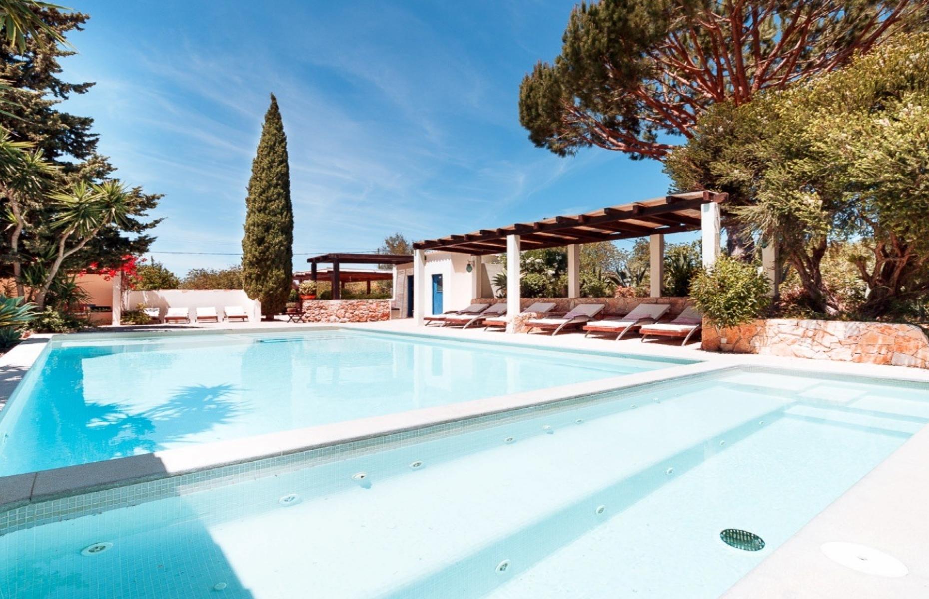 The pool at Casa Porta Azul (Image: Casa Porta Azul/Facebook)