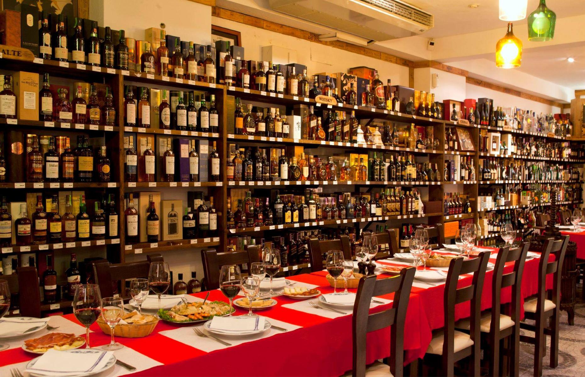 Veneza Restaurant (Image: Restaurante Garrafeira Veneza/Facebook.com)