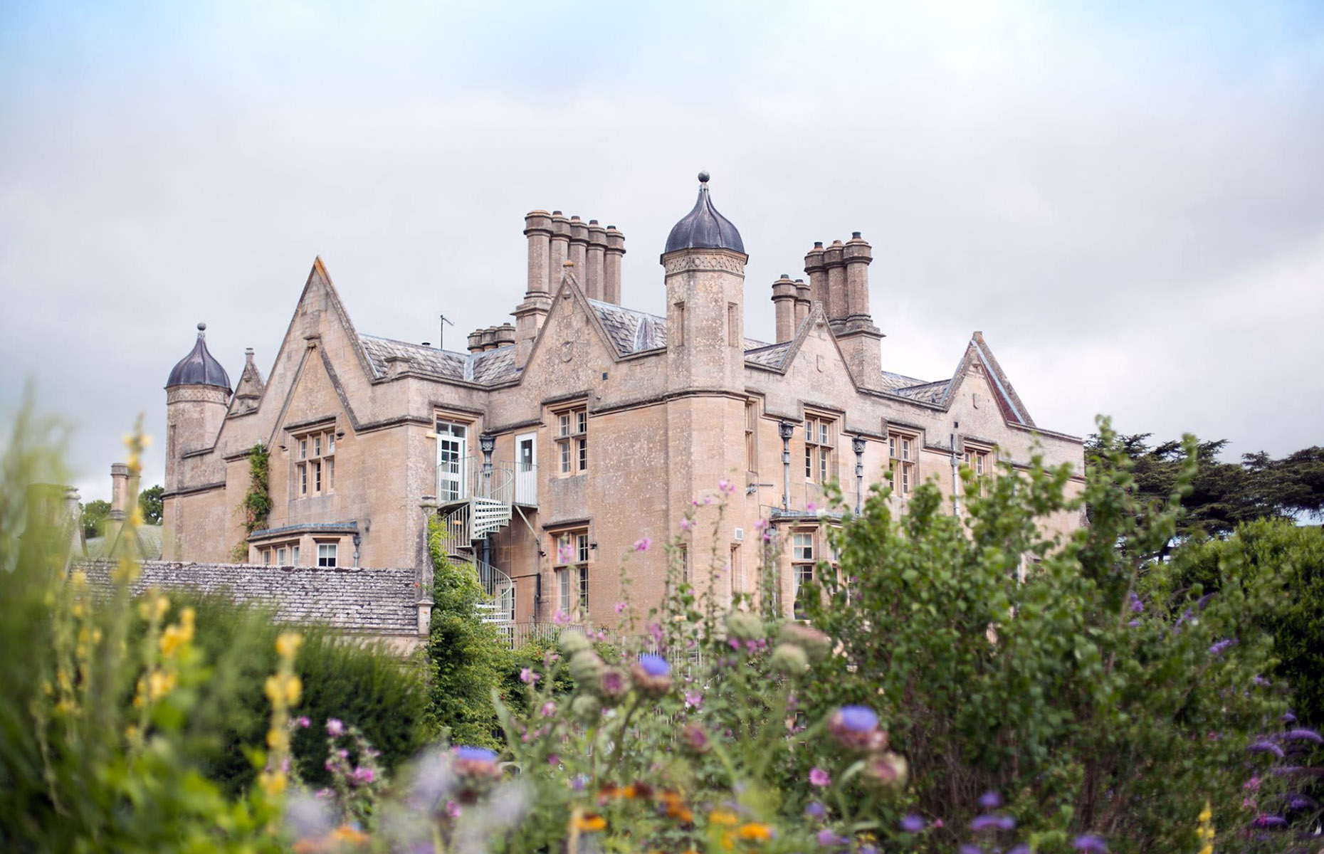 Dumbleton Hall Hotel in the Cotswolds, UK (Image: DumbletonHallHotel/Facebook)