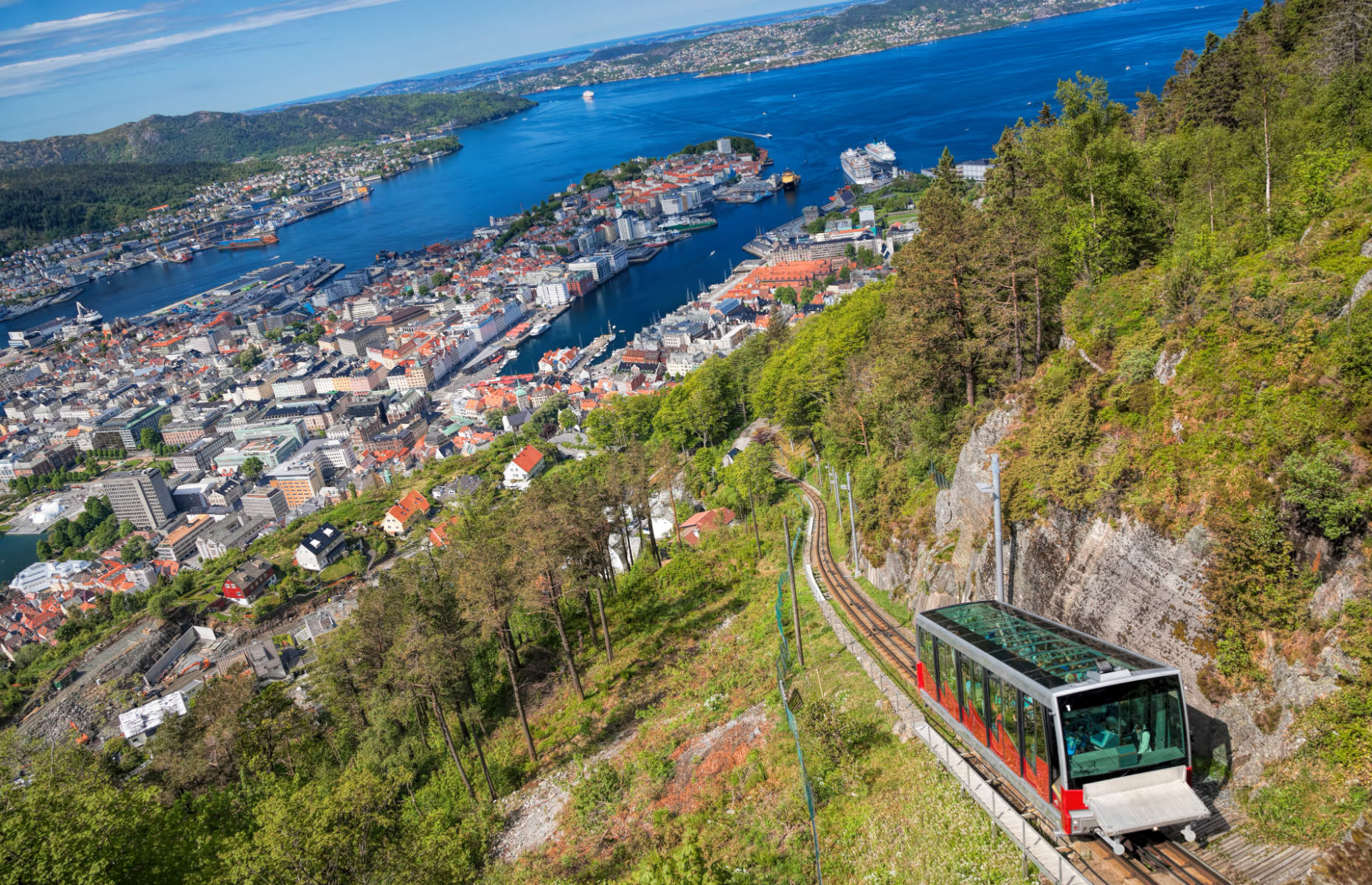 The funicular riding up the Fløibanen with a view of Bergen below (Image: Samot/Shutterstock)