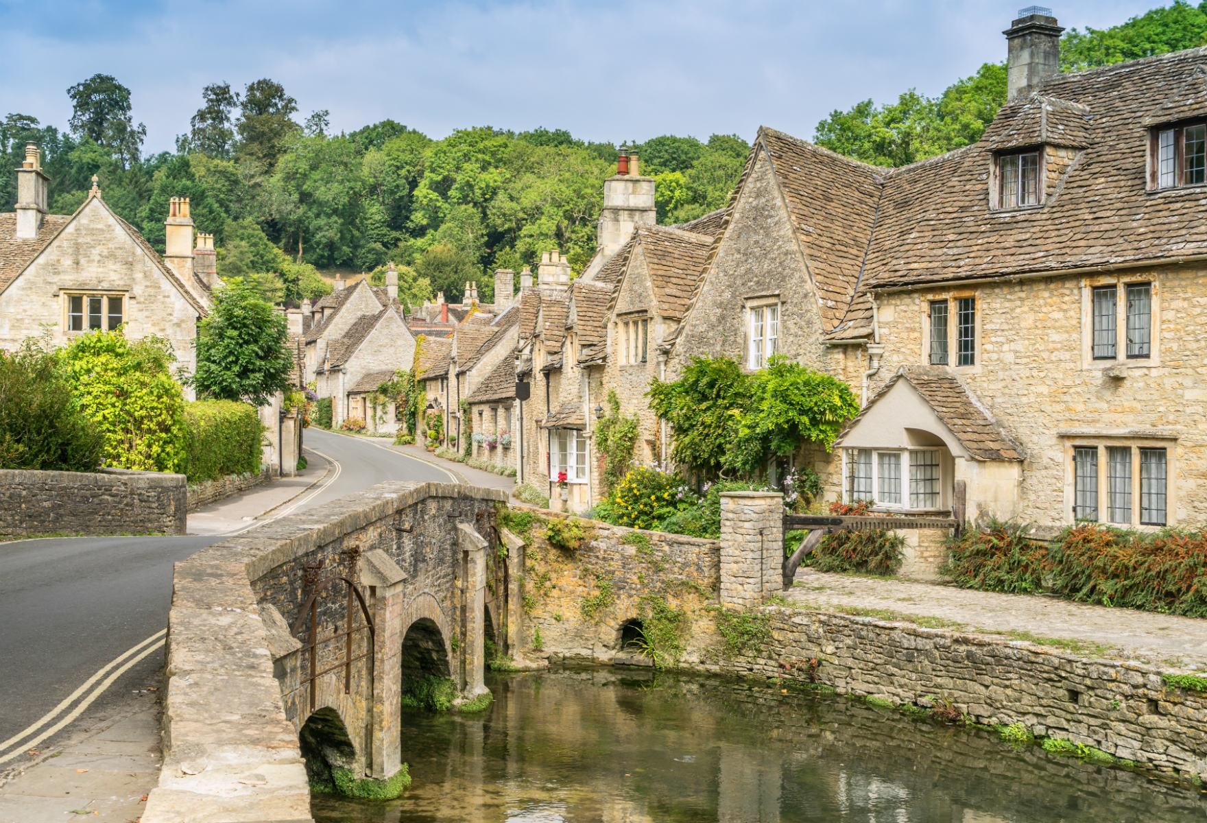 Castle Combe (credit: Gordon Bell/Shutterstock)