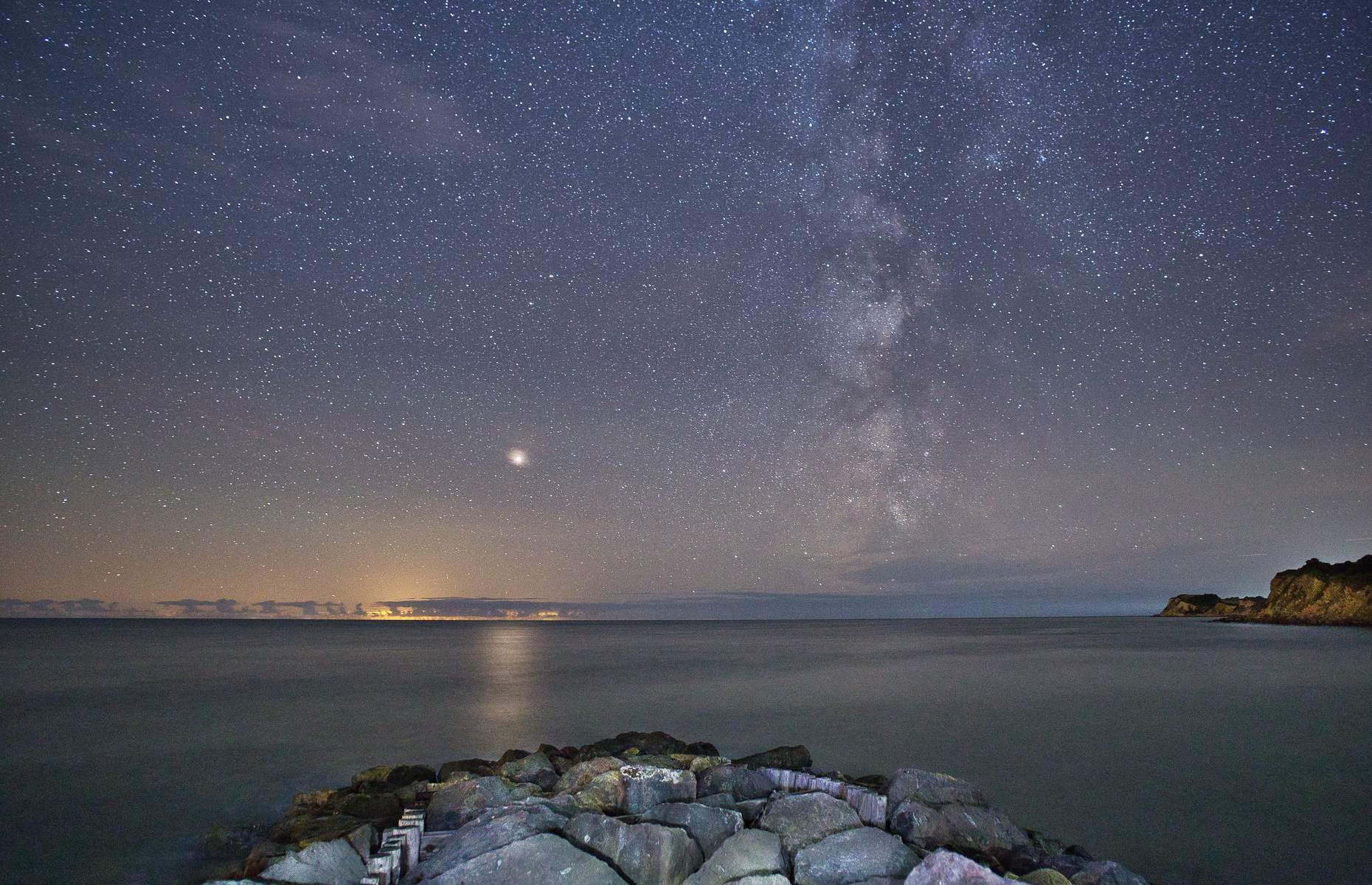 Starry night in the Isle of Wight (Image: TwilightandTime/Shutterstock)