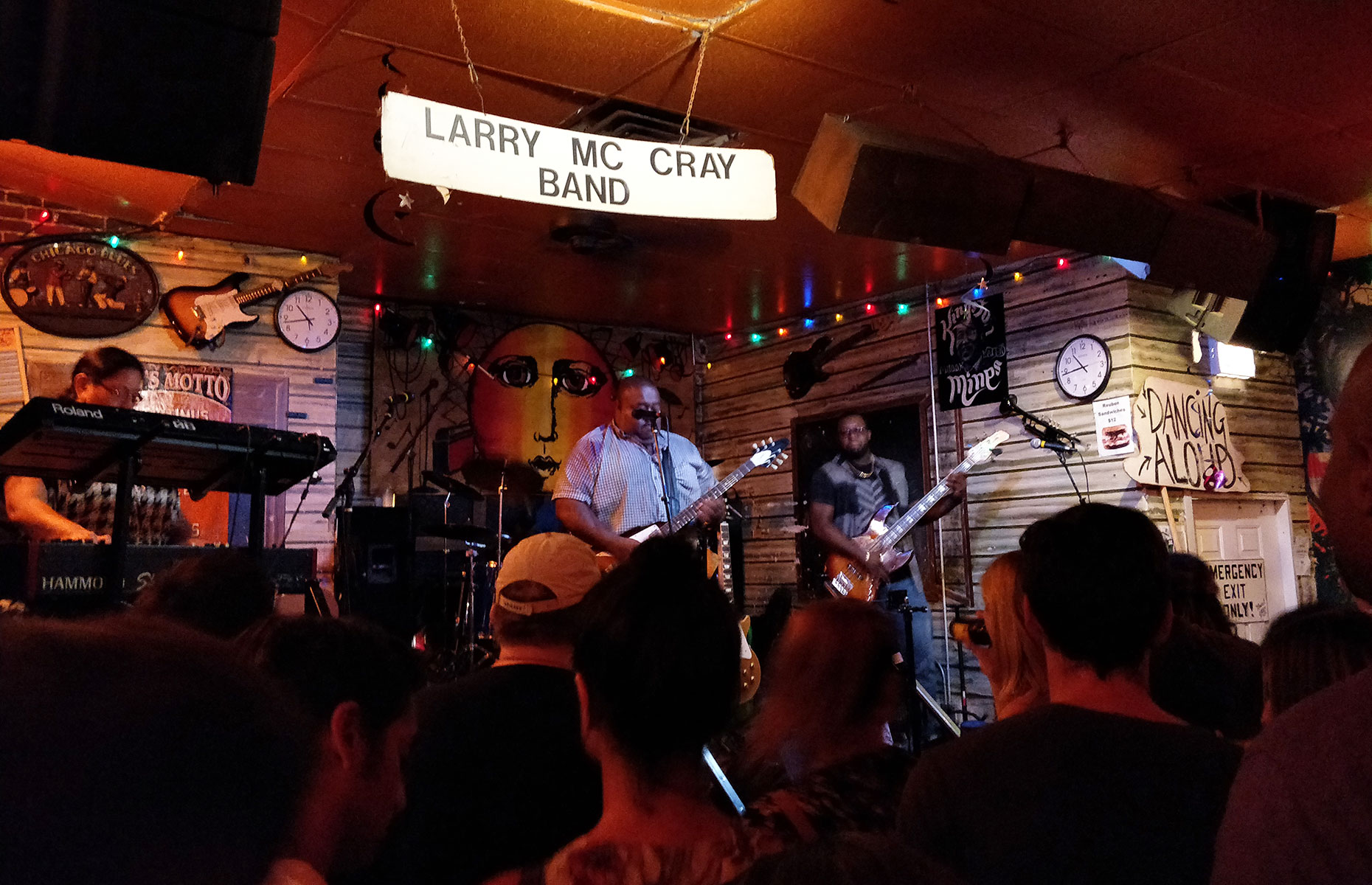The dark and atmospheric Kingston Mines club is the perfect place to hear the Blues