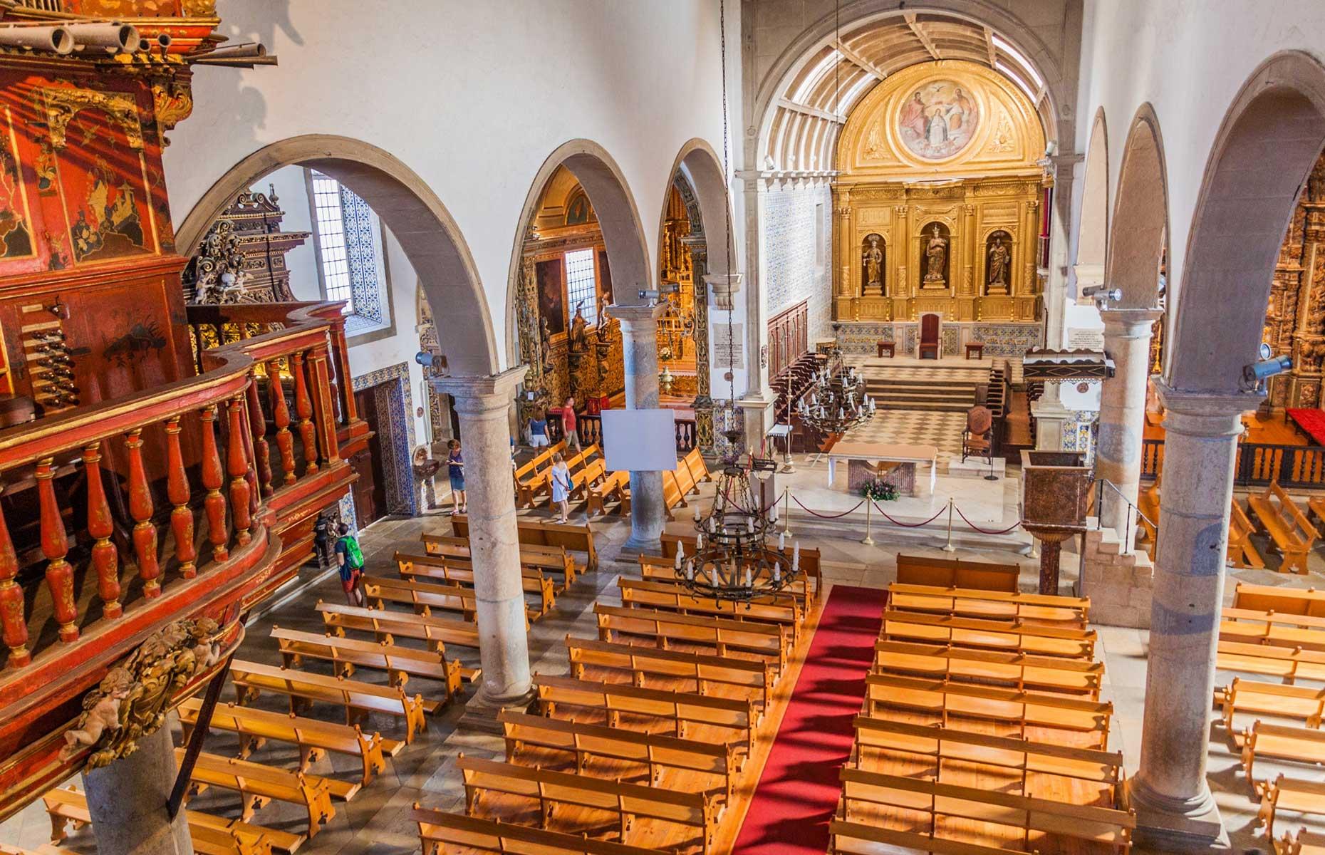 Faro cathedral (Image: Matyas Rehak/Shutterstock)