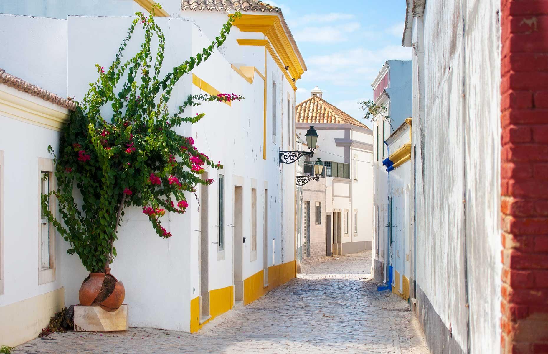 Faro Old Town (Image: aniad/Shutterstock)