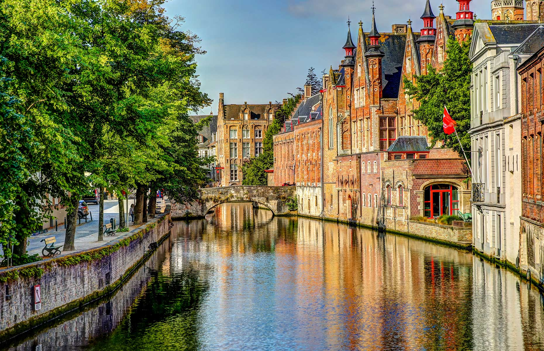 Bruges (Images: Todamo/Shutterstock)