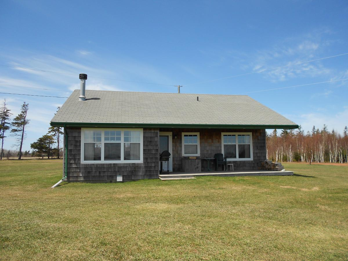 Shaws hotel & restaurant on Prince Edward Island has 10 cottages to rent