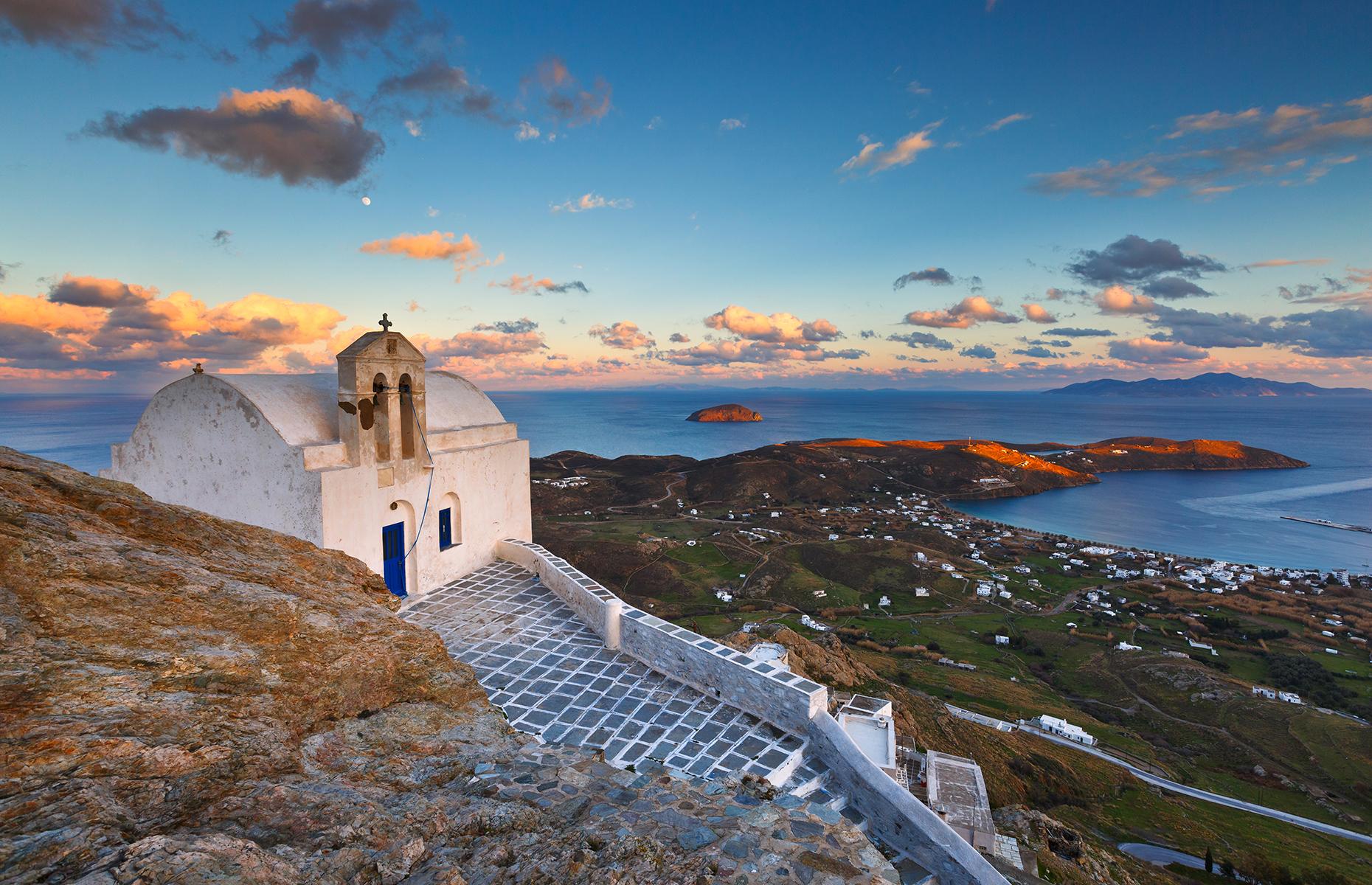 Sifnos scenery (Image: Milan Gonda/Shutterstock)