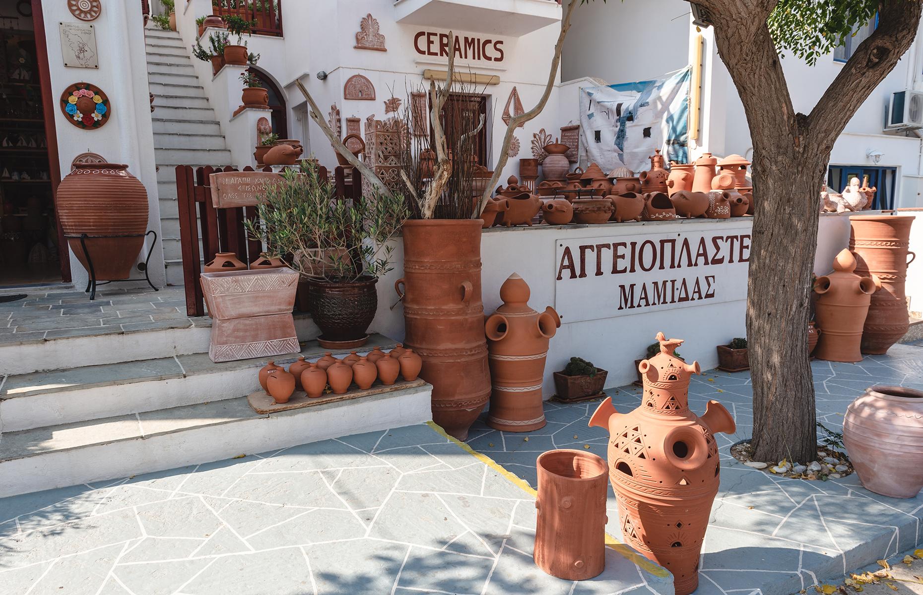 Pottery shop on Sifnos (Image: vivooo/Shutterstock)