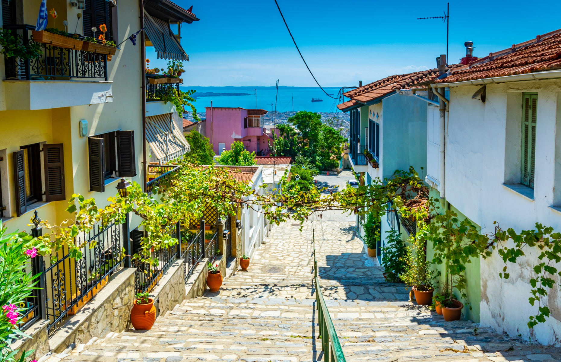 Street in Thessaloniki (Image: Trabantos/Shutterstock)