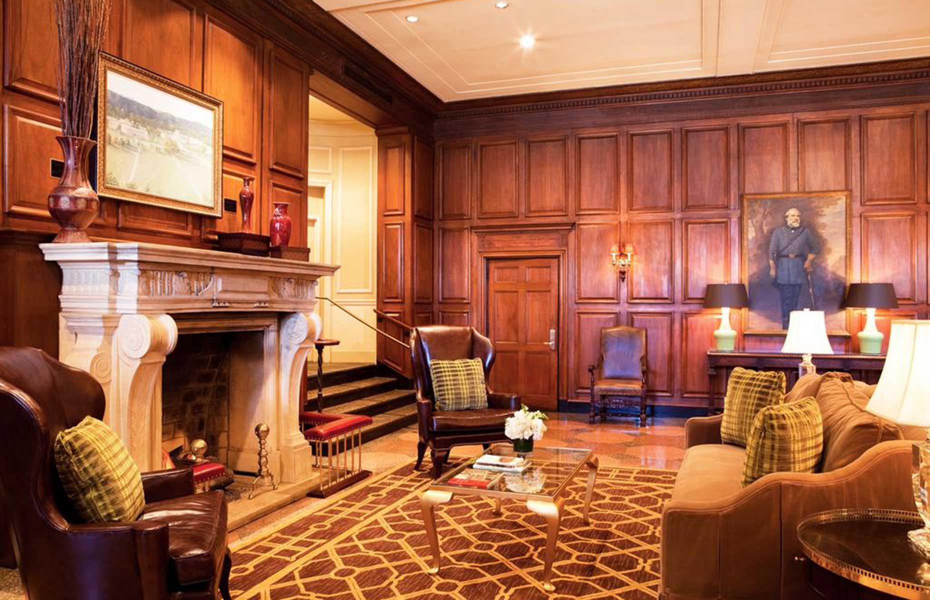Hotel Roanoke, Hilton