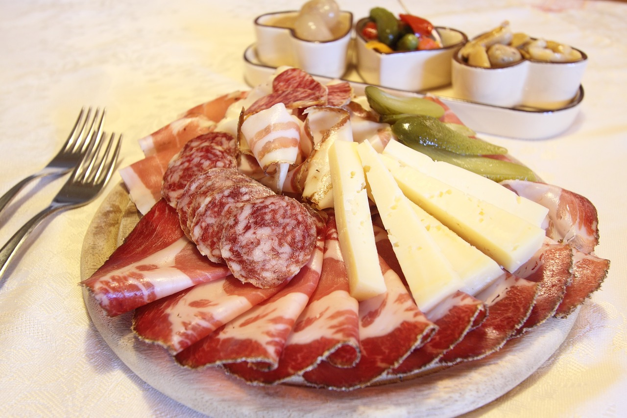 Colt cuts, charcuterie, vacatin