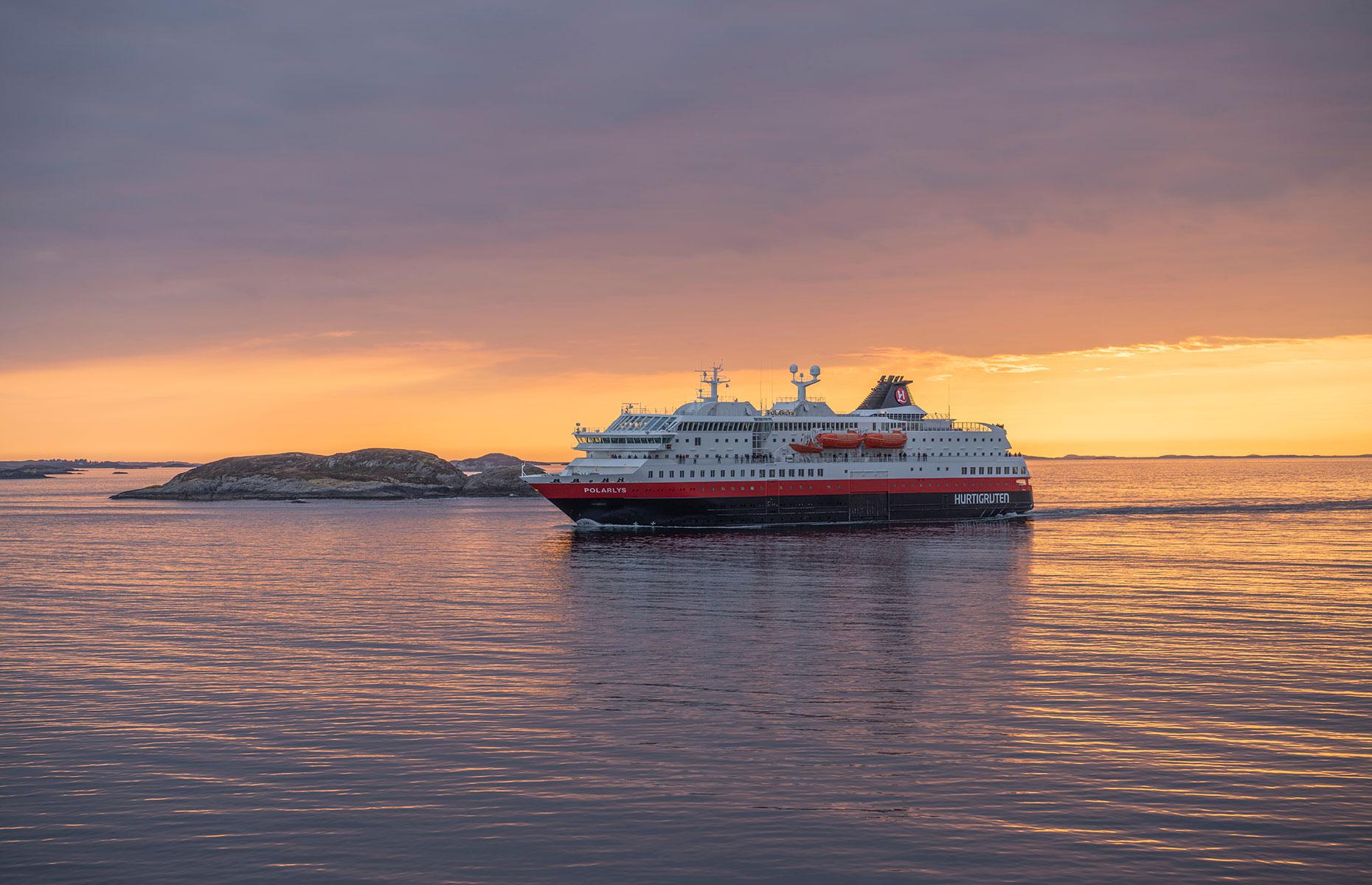 Hutigruten ship, Alesund (Image: Ro_Ma_Li/Shutterstock)