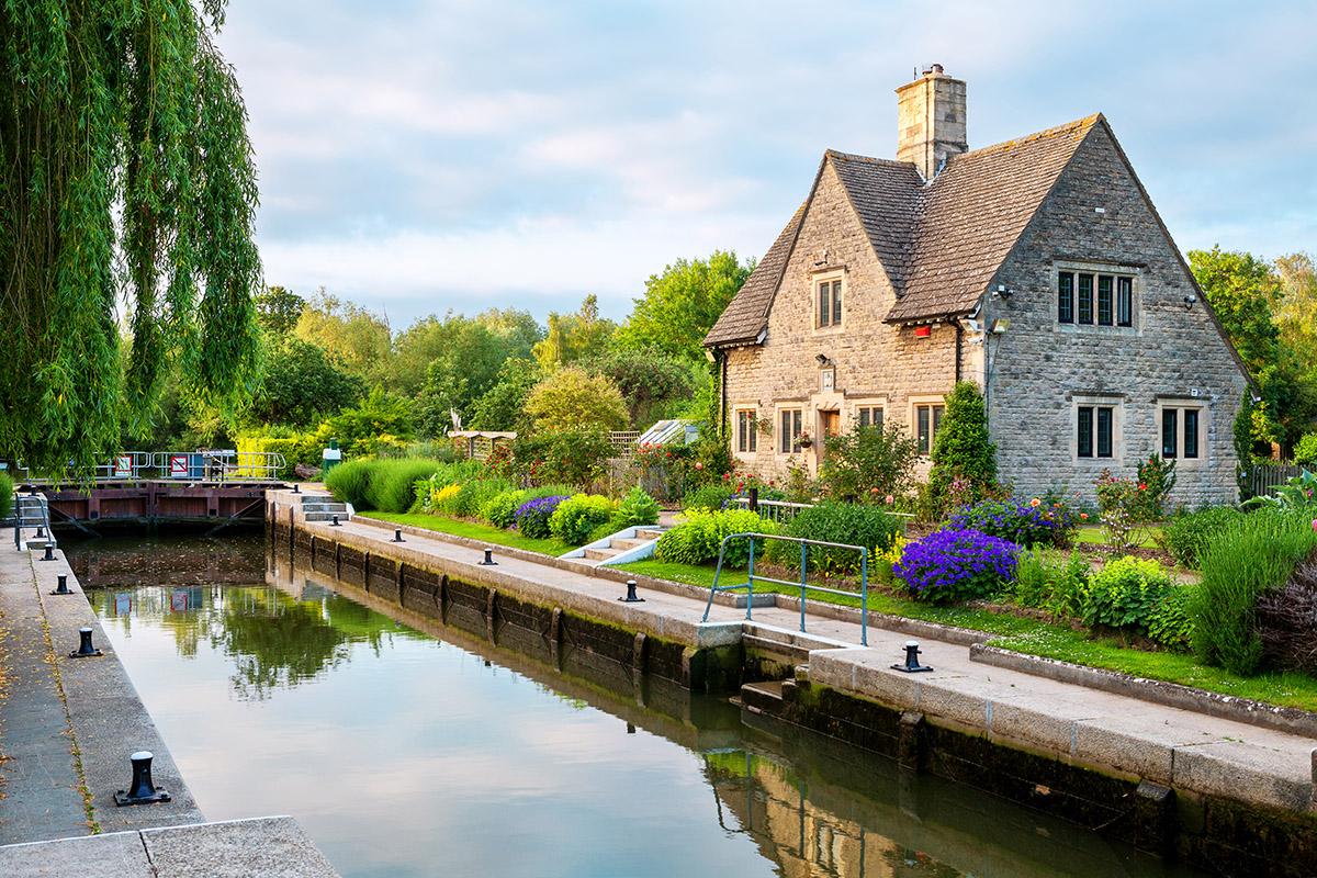 Iffley canal, lock, Oxford