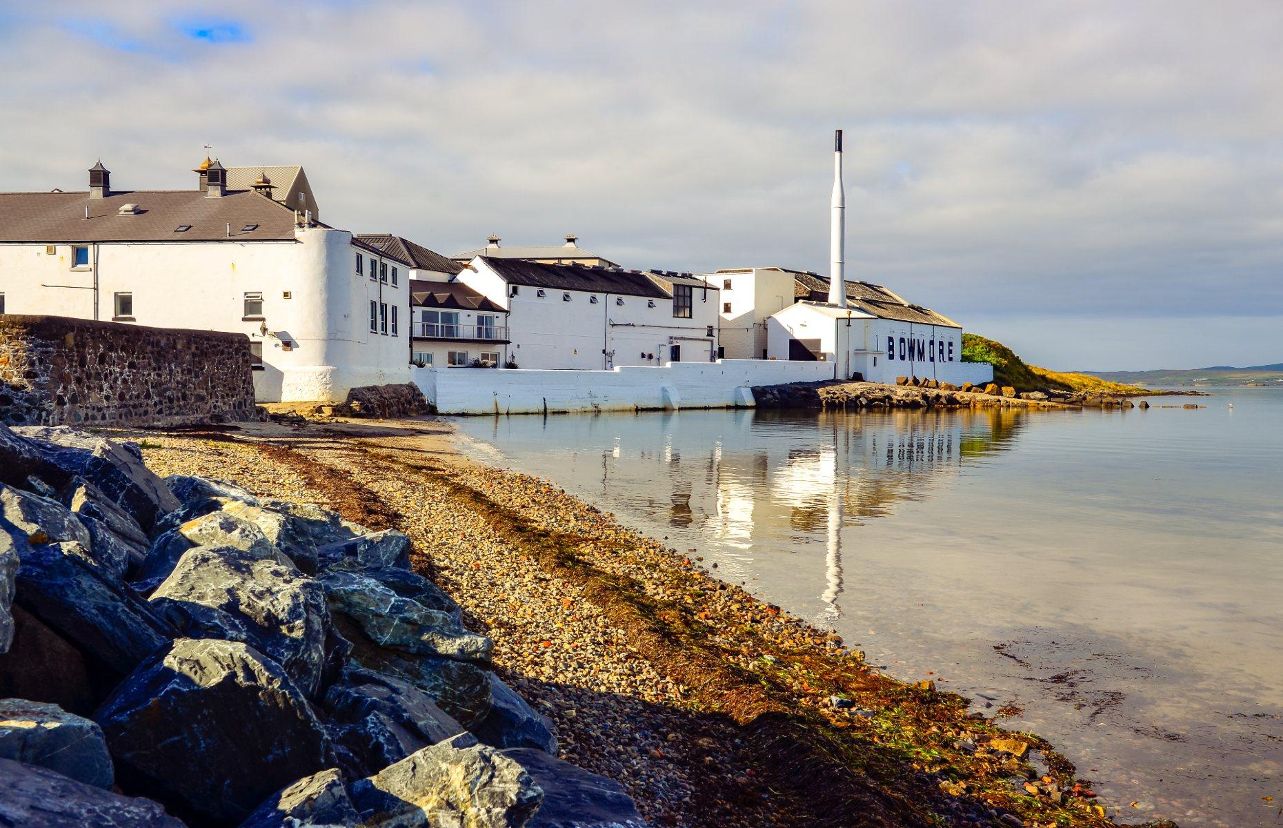 Bowmore distillery (Image: Martin M303/Shutterstock)