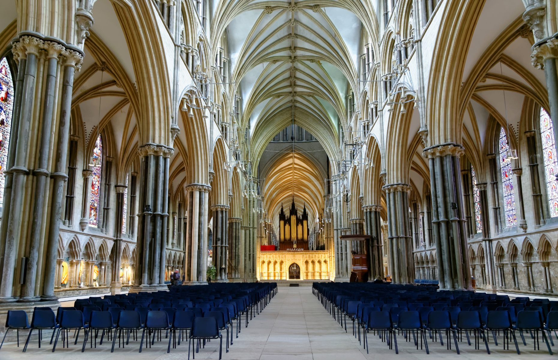 Lincoln Cathedral inside (Image: Angelina Dimitrova/Shutterstock)