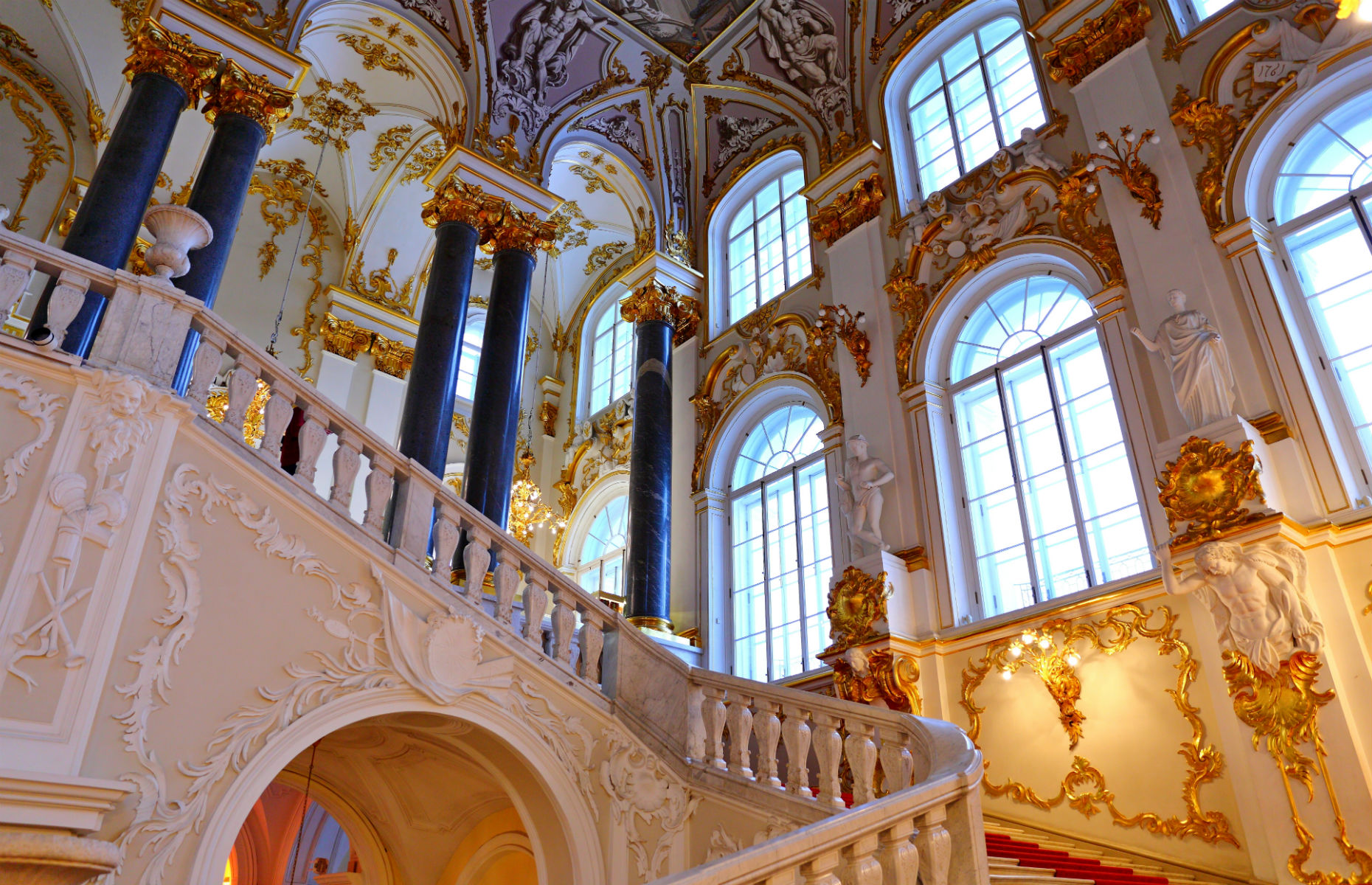 Main staircase in State Hermitage Museum (Image: LEOCHEN66/Shutterstock)