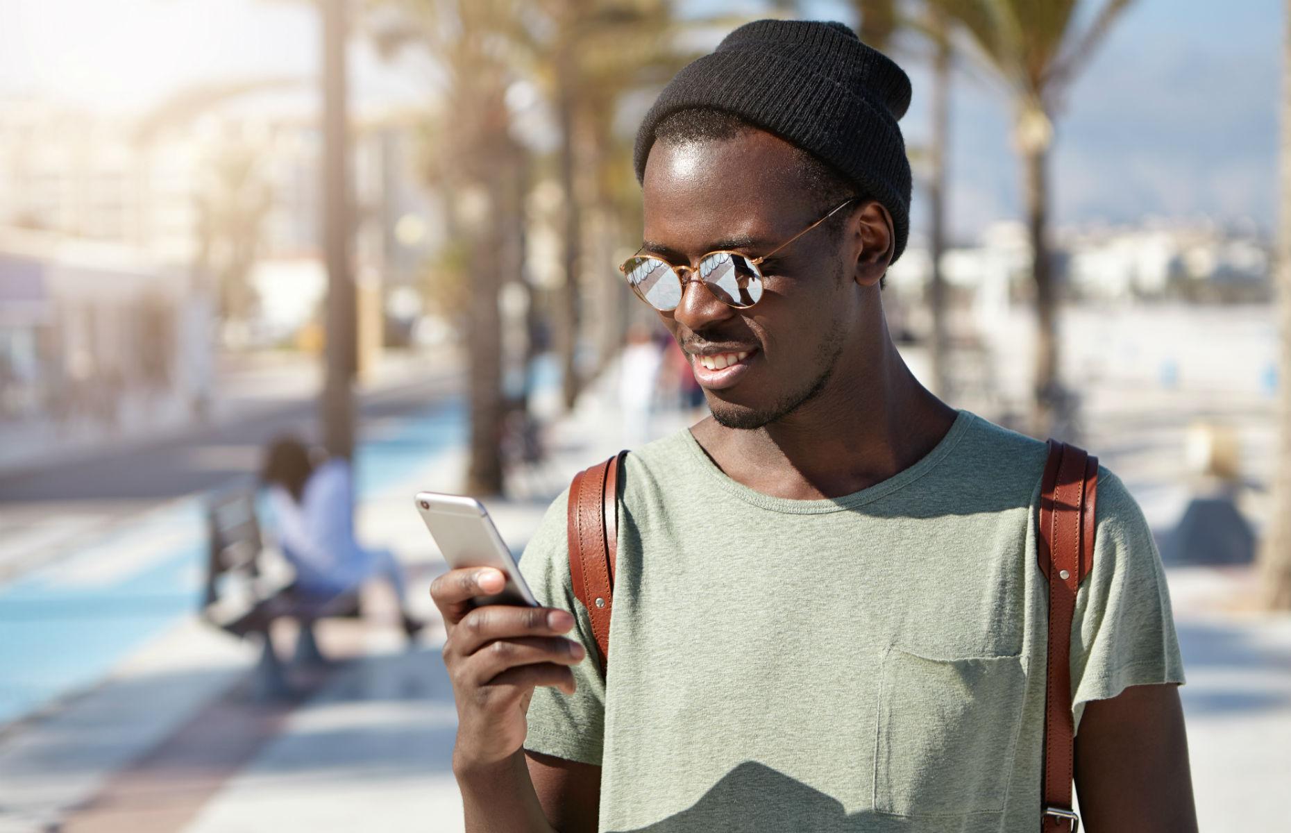 tourist on phone in LA