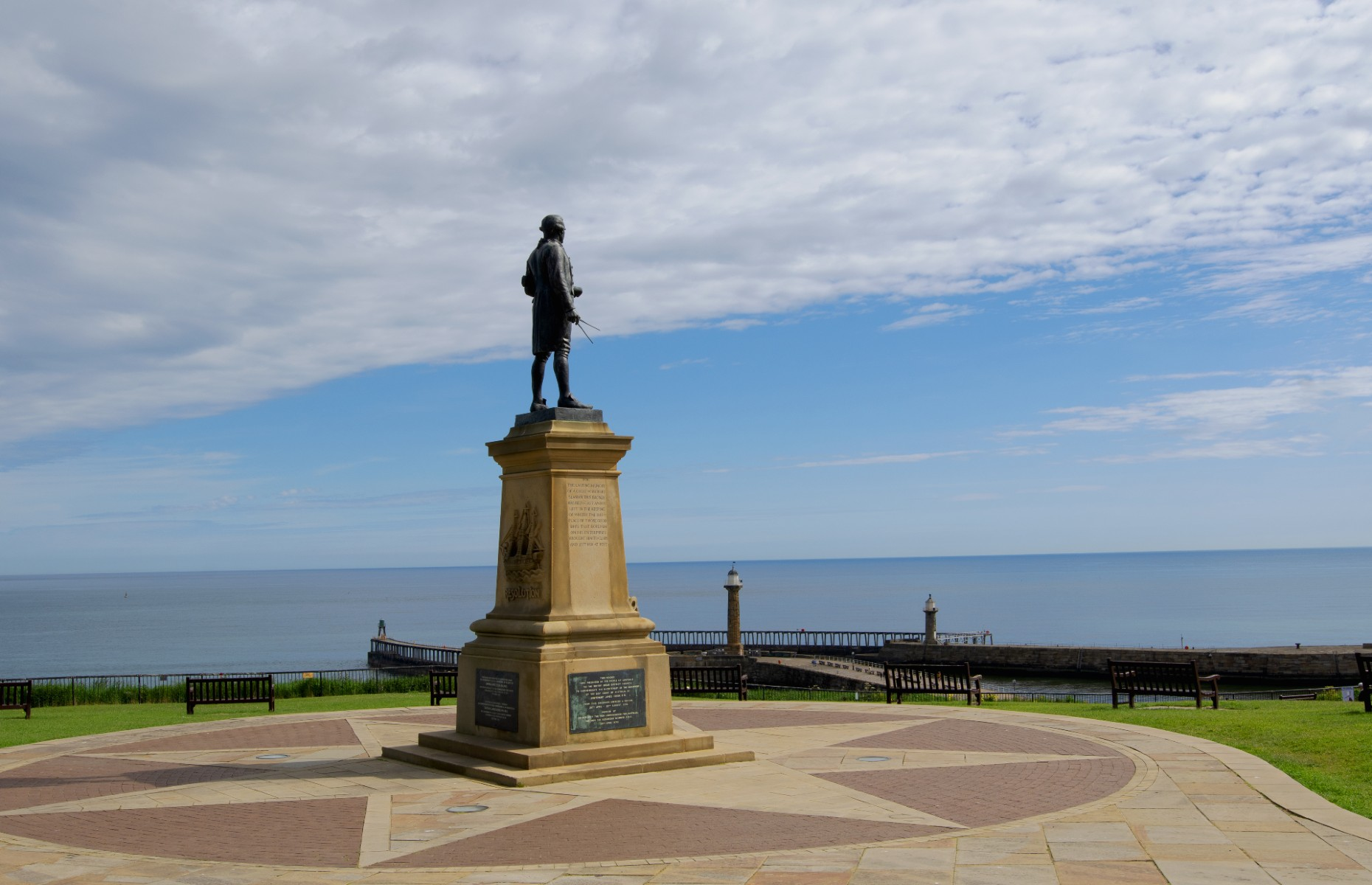 Captain Cook statue (Image: Peter is Shaw 1991/Shutterstock)