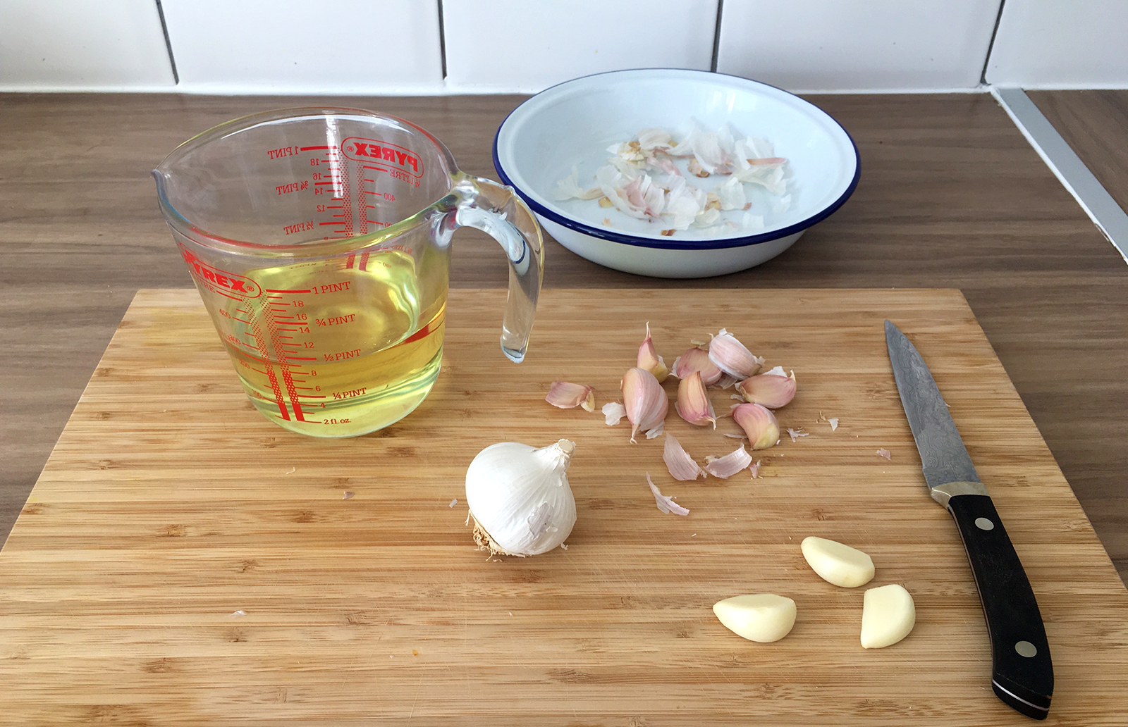 How to make garlic oil