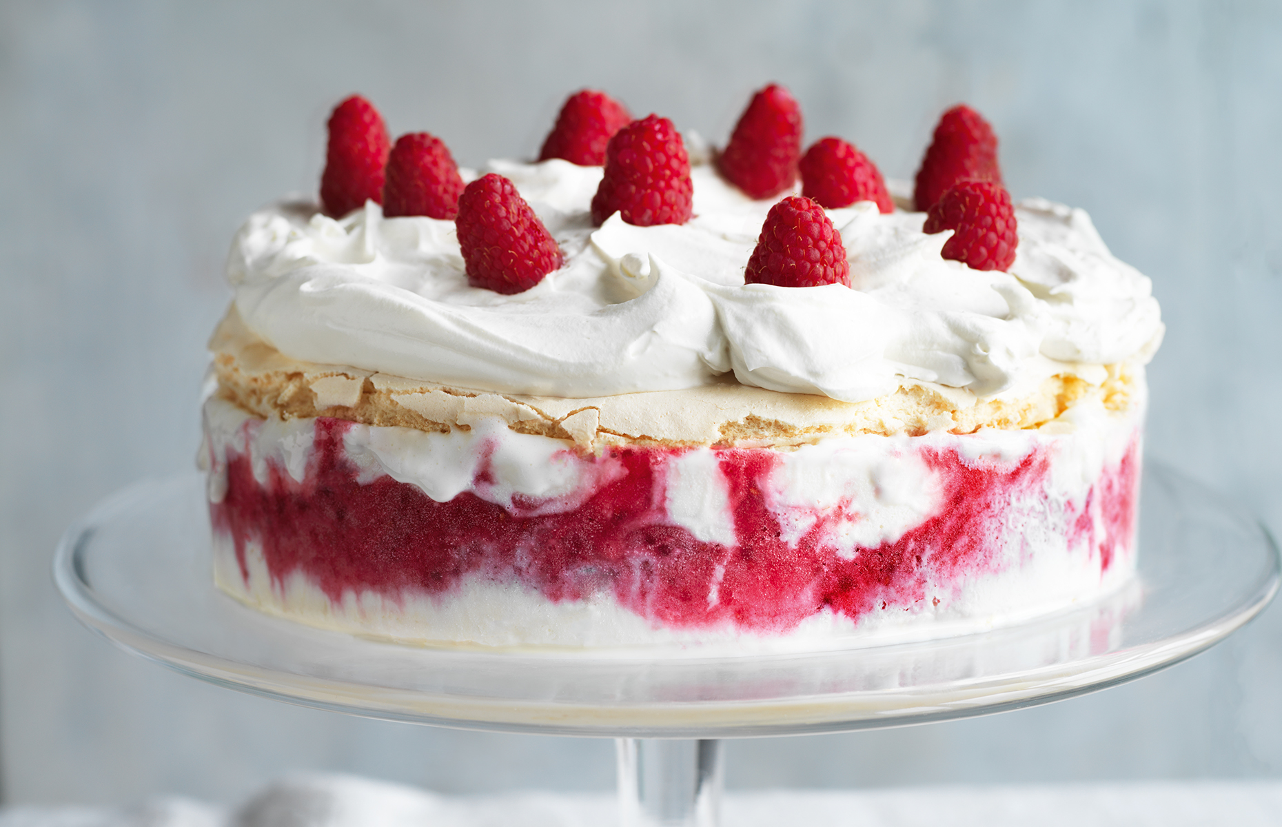 Ice cream meringue cake