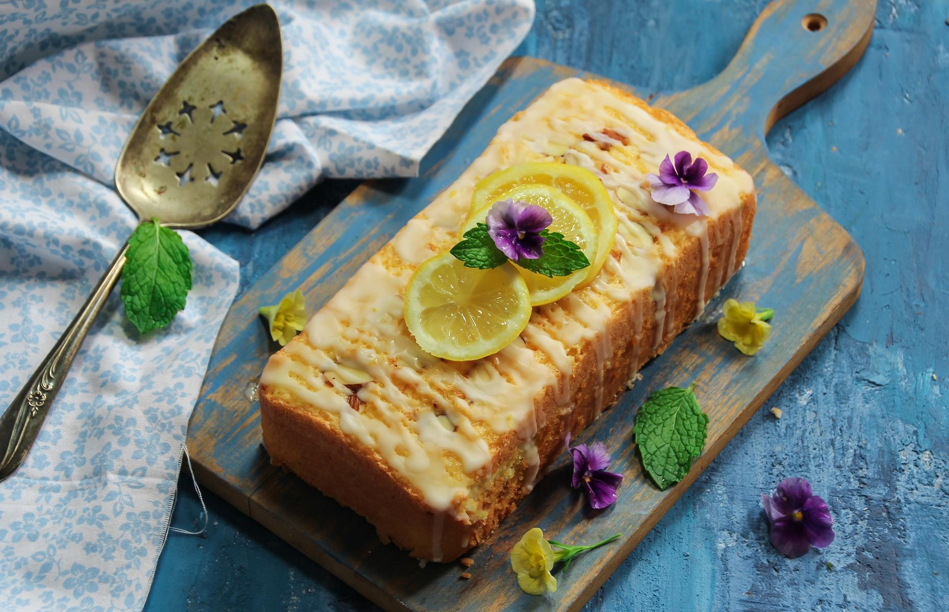 Lemon drizzle cake (Image: vm2002/Shutterstock)