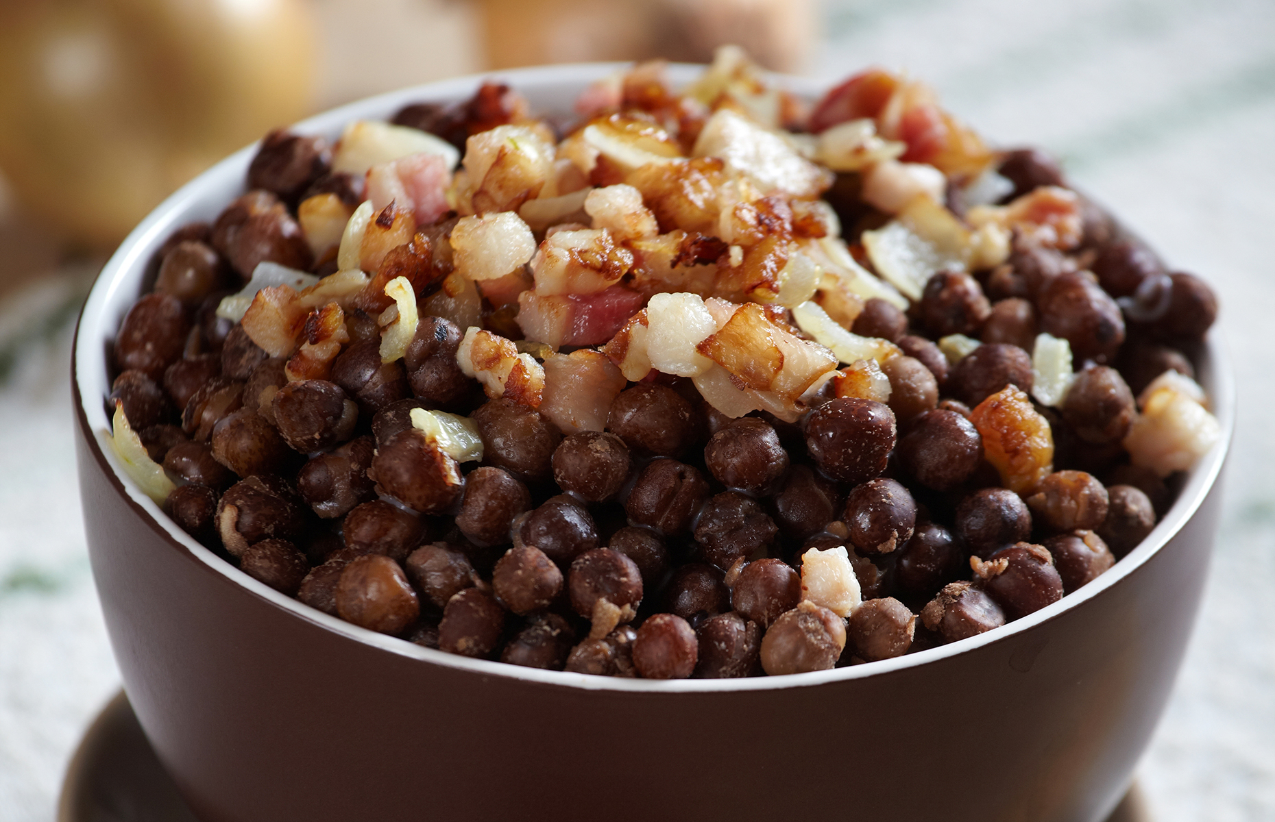 Grey peas with speck