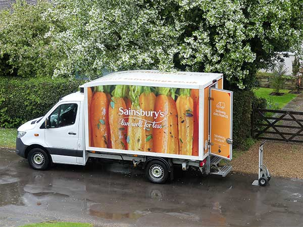 Sainsbury's hasn't announced its Christmas delivery slots (Image: Shutterstock/Peter_Fleming)