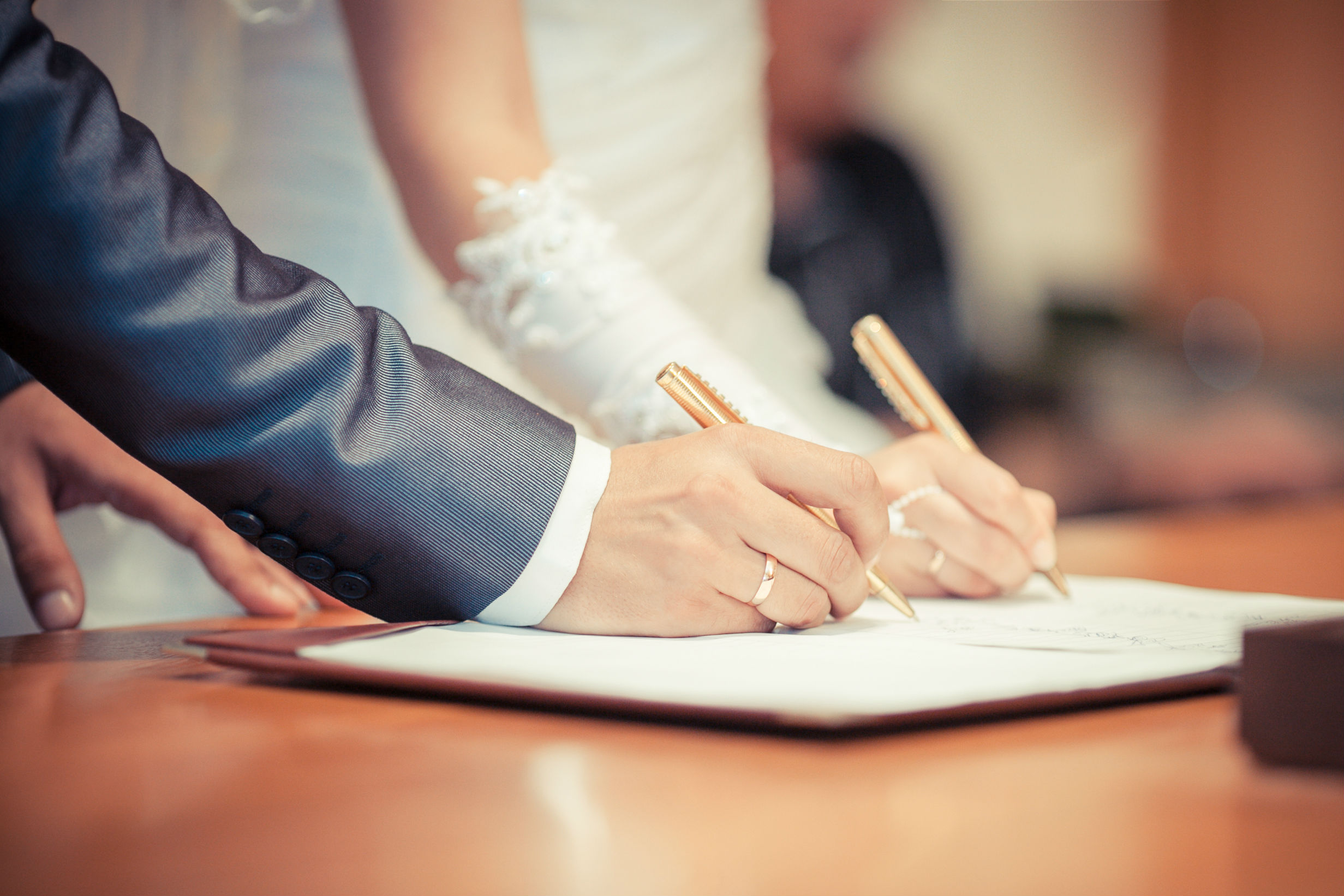 Civil partnerships: how to get one, differences with marriage and