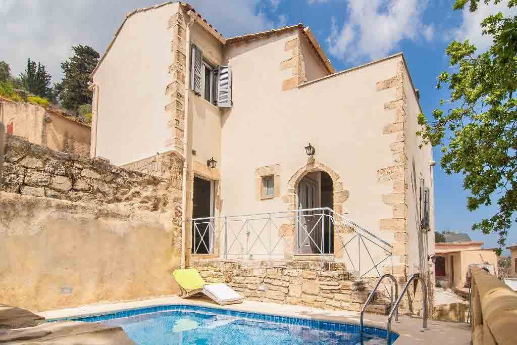 Recently renovated, this traditional villa is steeped in history. Image: A Place in Crete / Rightmove