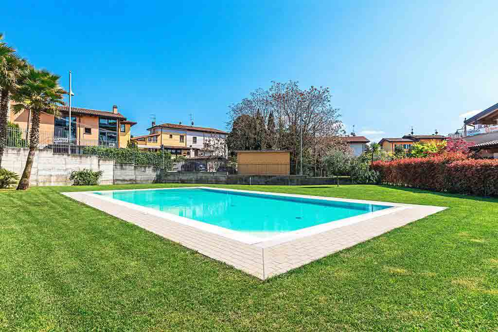 A private swimming pool is a big plus is in the holiday hotspot. Image: Dream Properties in Italy / Rightmove