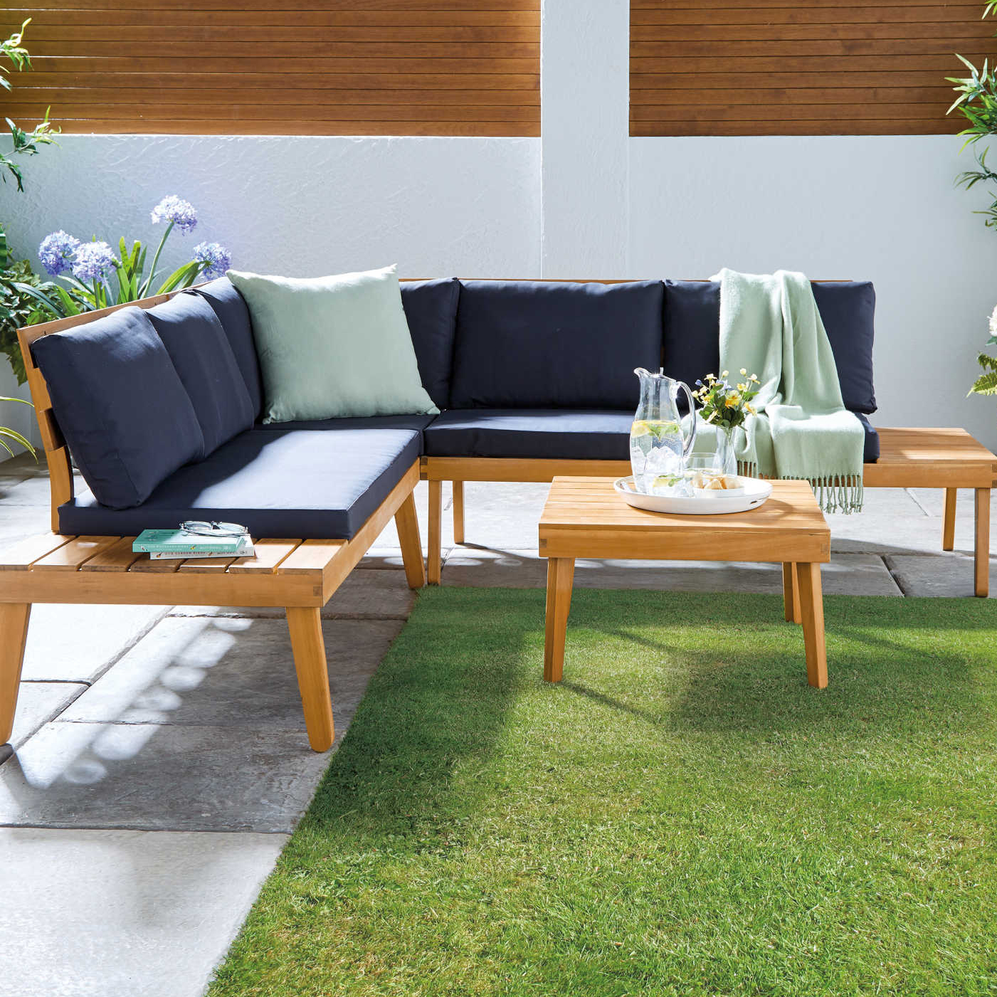 Bargain garden furniture you can get delivered to your door