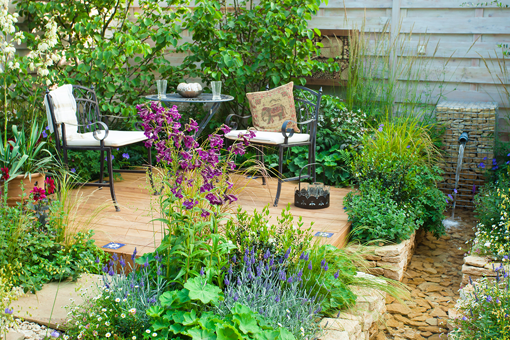 Garden decking with planting. Picture by Antonina Potapenko