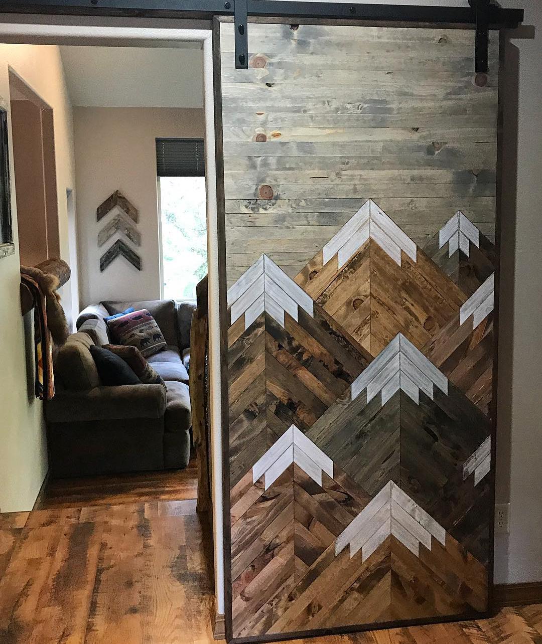 A bespoke woodwork door. Image: @bayoceanrusticdesign/Instagram