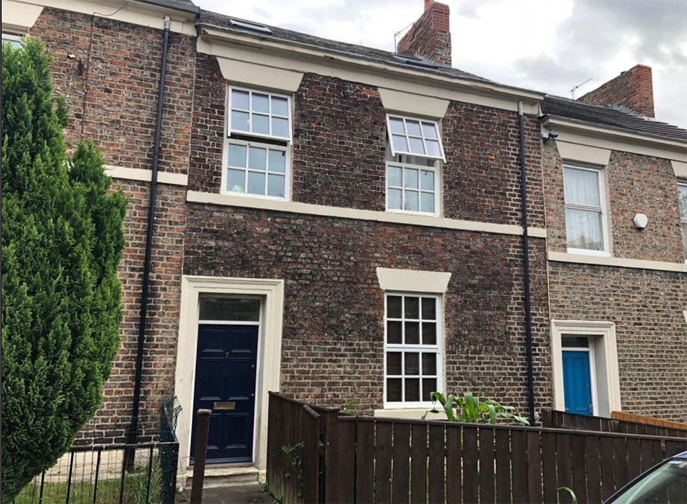 This huge 4-bed needs a refresh inside but it's a lot of space for £1000 a month. Image: Rightmove