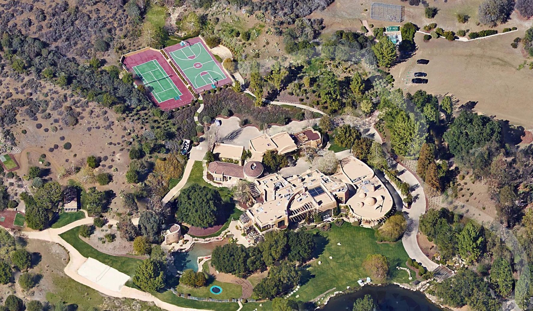The sprawling Calabasas property is a sight to behold. Image: Google Earth