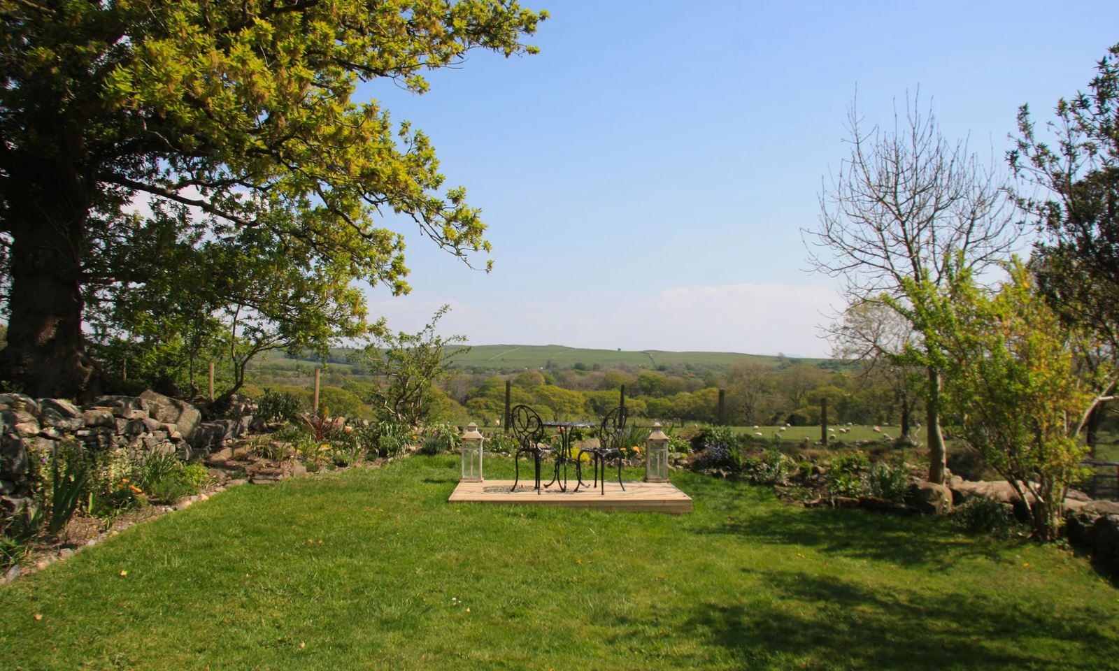 The garden looks out across miles of untouched countryside. Image: Cwellyn Dream